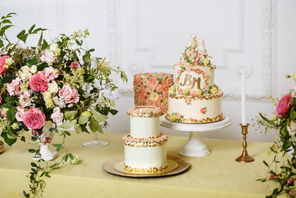 wedding cake decorator london